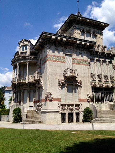 http://www.comodailynews.net/archivi/immagini/2016/V/Villa-Bernasconi-Cernobbio.jpg